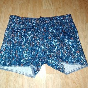 Levis Patterned Shorts